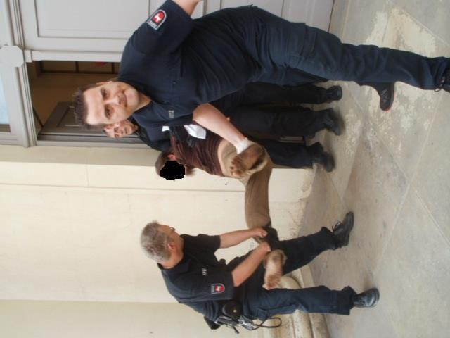 Während des Prozesses wurden Zuschauer_innen brutal aus dem Gerichtsgebäude geschmissen